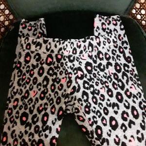 🌹BUNDLE 3 SAVE 30% Girls Cheetah Leggings
